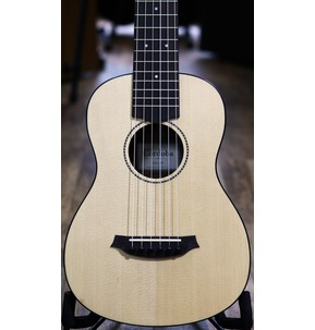 Cordoba Mini M - Solid Top Minature Nylon-String Guitar With Gig Bag