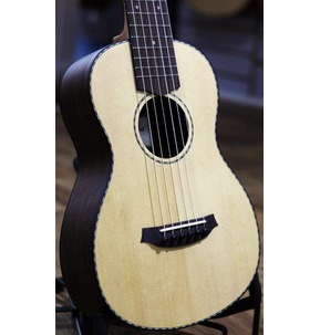 Cordoba Mini R - Solid Top Minature Nylon-String Guitar With Gig Bag
