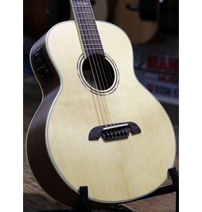 Alvarez LJ60E Artist Electro Acoustic Travel Guitar & Deluxe Gig Bag, Natural B-Stock