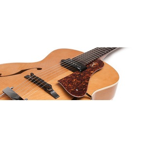Godin 5th Avenue Kingpin P90 - Natural Archtop Semi Acoustic Guitar B-Stock